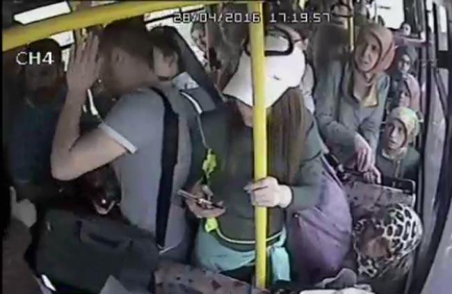 v-avtobuse-pristayut-seks