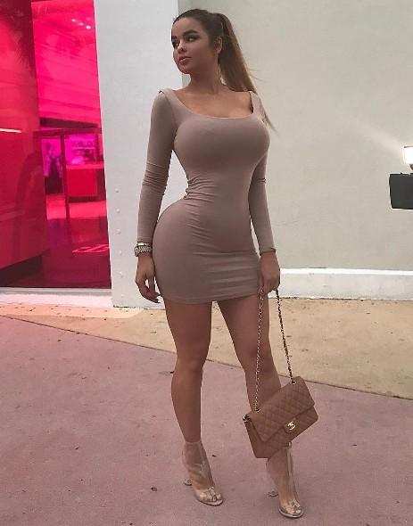 Мулатка организовала показ себя без одежды  207214